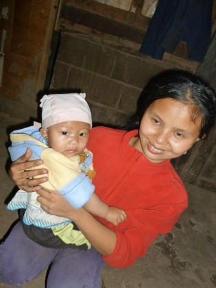 Local girl invited me to see her home and meet her family, Laos - Karina Noriega