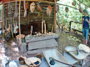 Traditional weaving @ Oconaluftee Indian Village, Cherokee, North Carolina, USA