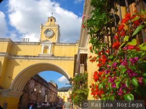 Arco de Antigua -- Guatemala -- Karina Noriega